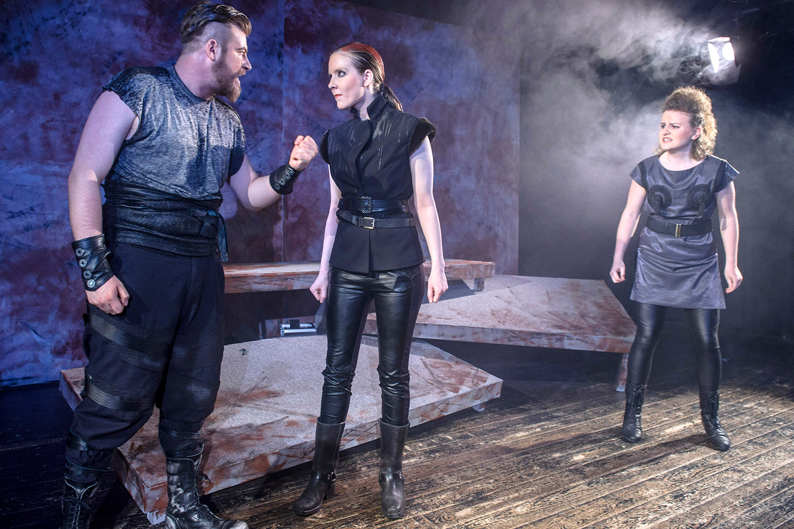 theater im enovum in Lüneburg Stück Nibelungen