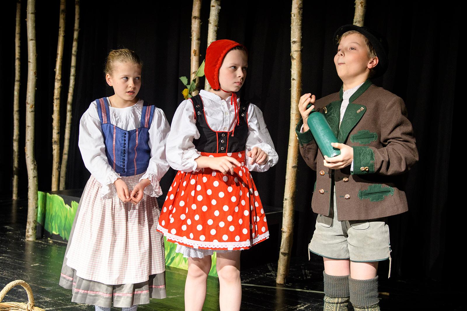 theater im enovum in Lüneburg Stück Rotkäppchen